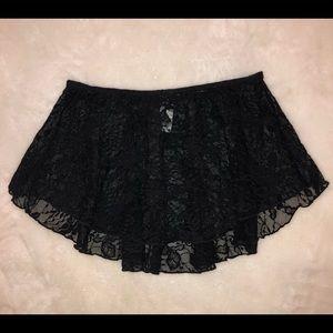 Wear Moi Women's pull on XS/S lace skirt